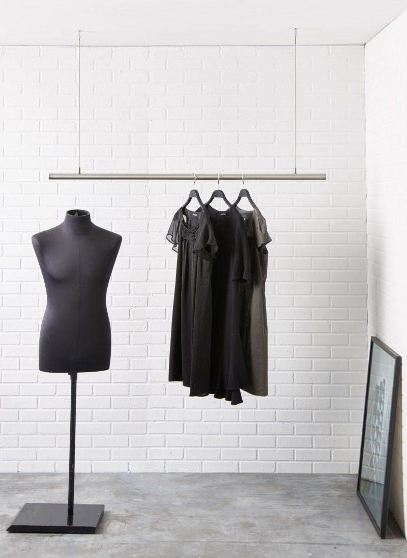 airjust. Kleiderstangensystem aus Edelstahl für die Decke.